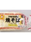 焼そば(ソース味)・焼うどん(しょうゆ味) 138円(税抜)