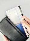 長財布に入るカードホルダー 100円(税抜)