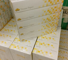 ティッシュBOX 185円(税抜)