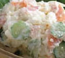 野菜たっぷりポテトサラダ 138円(税抜)