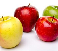 リンゴ各種 97円(税抜)