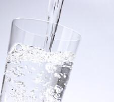 甲斐のやさしい水 297円(税抜)