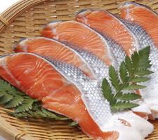 新巻鮭 777円(税抜)