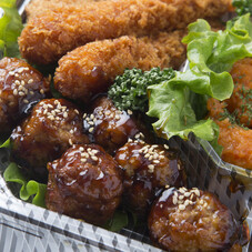 ママー果肉たっぷりのミートソース ミートソースマッシュルーム入り・ナポリタン 98円(税抜)