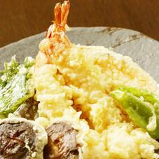 6種の華天丼 370円(税抜)