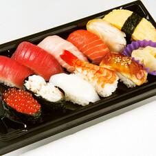 生鮨詰合せ(豊) 780円(税抜)