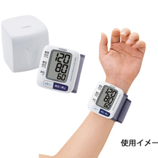 電子血圧計 3,980円(税抜)
