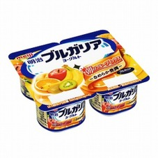 明治ブルガリアヨーグルト朝のフルーツミックス 148円(税抜)