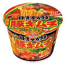日清 デカうま 豚キムチ 95円(税抜)