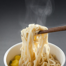 黒い豚カレーうどん 88円(税抜)