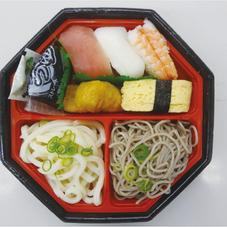 にぎり寿司&二色麺セット 388円(税抜)