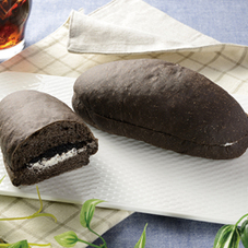 もっちりとした黒いコッペパン 150円