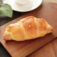 塩バタークロワッサン(チーズ) 140円