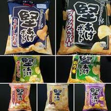 堅あげポテト うすしお味・ブラックペッパー・のり味 88円(税抜)
