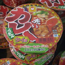 赤いカレーうどん タイ風 108円(税抜)