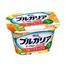 ブルガリアフルーツヨーグルト脂肪0(苺・ブルーベリー・白桃・フルーツミックス) 78円(税抜)