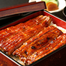 うな重(養殖・解凍) 1,570円(税抜)