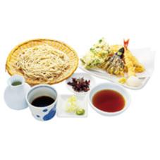 江戸東京野菜と海老・穴子の天盛り蕎麦 1,680円(税抜)
