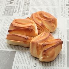 【ベーカリー】プチミルクパン 135円(税抜)