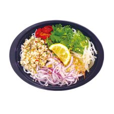 鶏ひき肉と胡麻油のエスニッククイッティオ 599円(税抜)