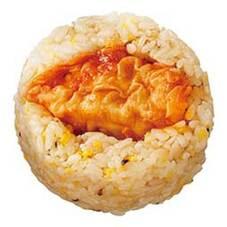 チリ餃子と炒飯おにぎり 108円