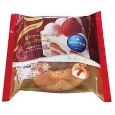 苺ショートケーキのシュークリーム 78円(税抜)
