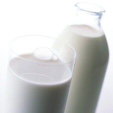無調整牛乳 158円(税抜)