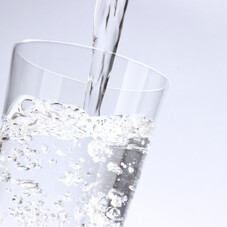 アルカリイオンの水1ケース 368円(税抜)