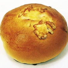 チーズパン 108円(税抜)