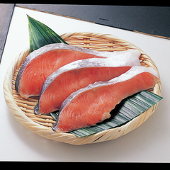 定塩銀鮭切身(甘塩・養殖・解凍) 198円(税抜)