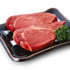 牛肉ヒレステーキ 698円(税抜)