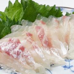 真鯛(完全養殖)お刺身 398円(税抜)