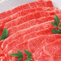 黒毛和牛もも肉うす切り 1,280円(税抜)