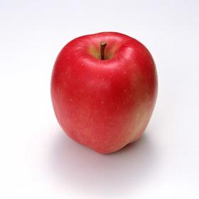 赤りんご 105円(税込)