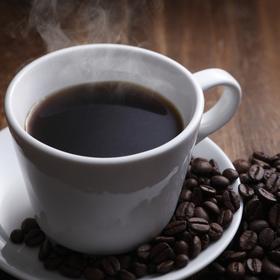 ブレンドコーヒー(無糖・低糖)(各930ml) 75円(税抜)