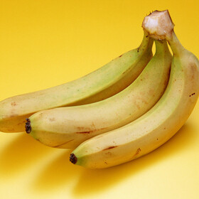 バナナ 105円(税抜)