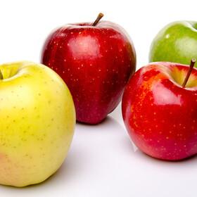 りんご 105円(税込)