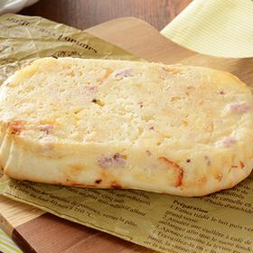 ポテトとチーズハムパン 135円