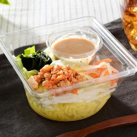 担々麺風こんにゃく麺サラダ 340円