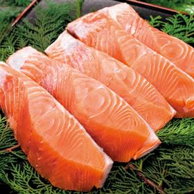なま 秋鮭 切身 213円(税込)