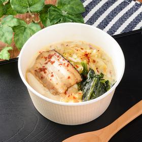 豆腐を食べる!にんにく背脂豚骨 430円