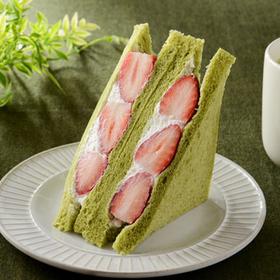 いちごミルクサンド~抹茶入り食パン~ 368円