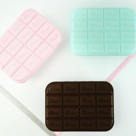 フタが立体的な板チョコデザインの保存容器 100円(税抜)