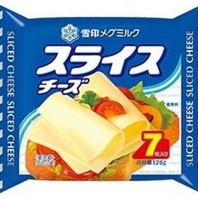 スライスチーズ・とろけるスライス(7枚入り) 214円(税込)