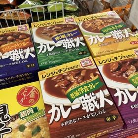 カレー職人(各種) 77円(税抜)