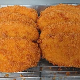 牛肉コロッケ 54円(税込)