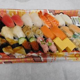 人気のネタの握り寿司(ダブル) 1,383円(税込)