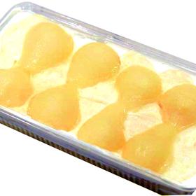 洋梨パンナコッタムースケーキ 2,462円(税込)