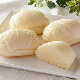 もっちり食感の白いぱん 練乳クリーム 4個入 135円(税込)