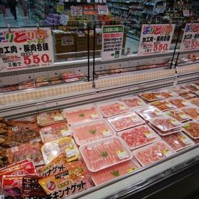 加工肉・豚肉よりどりセール 594円(税込)